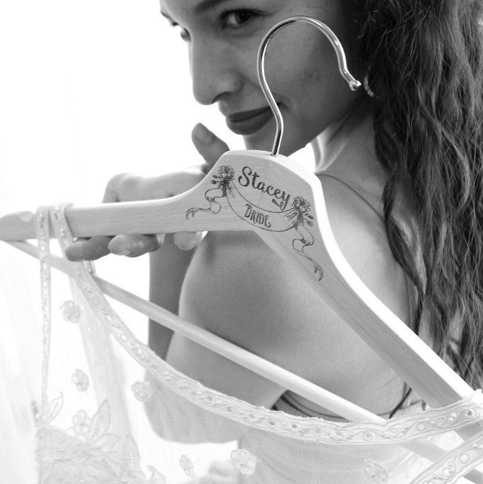 bride hangers for your wedding party