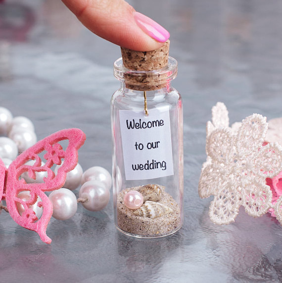 beach wedding favors - message in a bottle