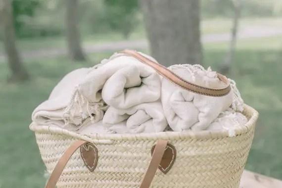 wedding favors ideas - throw blankets