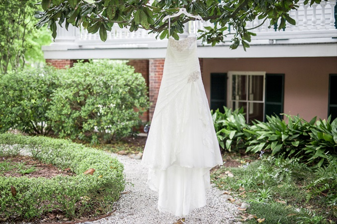 The Bride' Gown | Chris Lang Photography | Real Weddings Bellamy Mansion