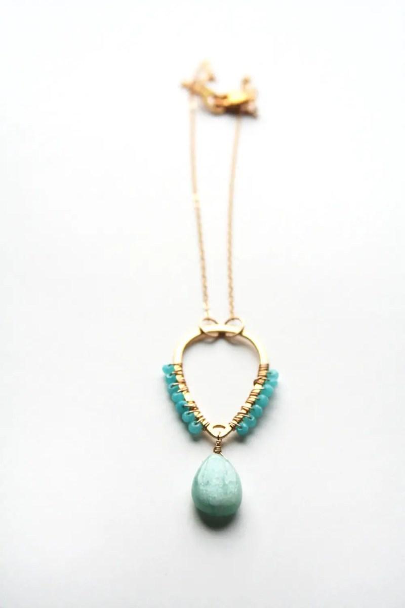 blue boho necklace by laura stark | etsy boho weddings | http://emmalinebride.com/bohemian/etsy-boho-weddings/
