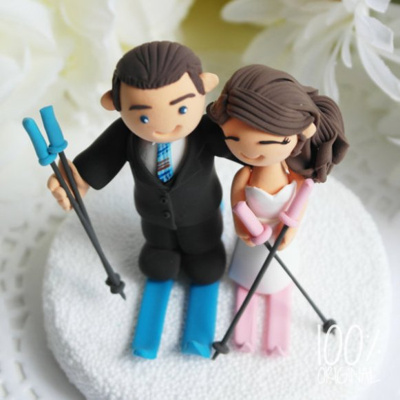 cake topper skiing couple 2