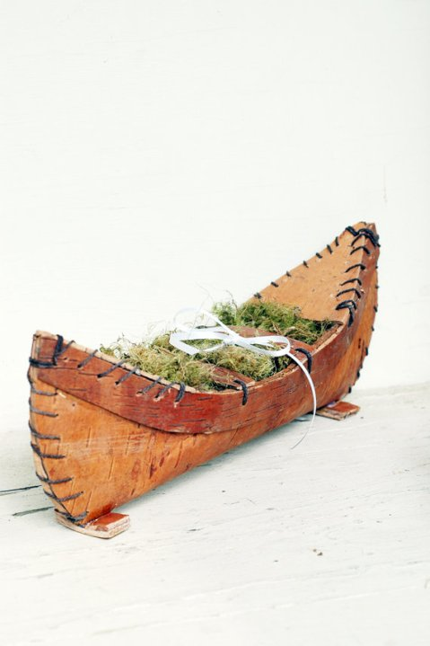 canoe ring pillow | via Rustic Ring Pillows http://emmalinebride.com/ceremony/rustic-ring-pillows/
