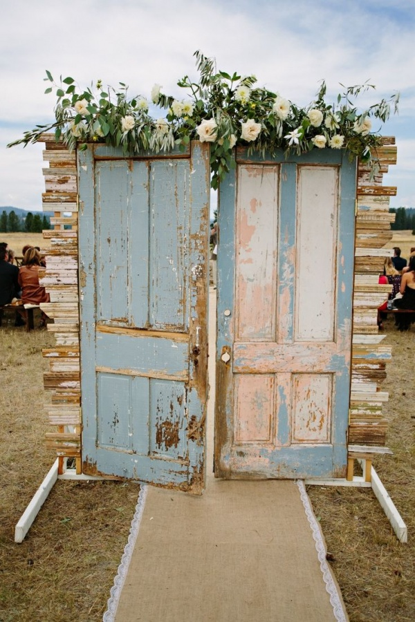 wedding ceremony decor backdrop with doors | Ceremony Backdrops Doors | photo: Green Door Photography