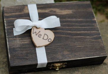 we do cigar ring box | via Rustic Ring Pillows http://emmalinebride.com/ceremony/rustic-ring-pillows/