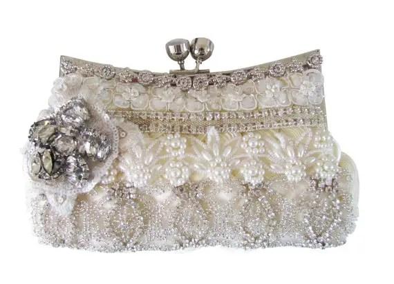 cloe noel clutch purse