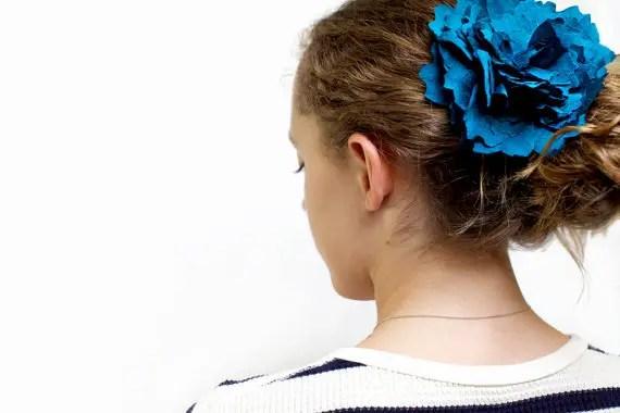 cobalt hair flower via colorful wedding accessories (by eclu)