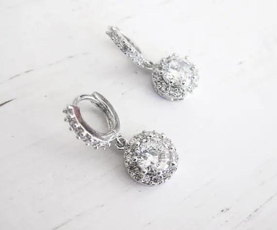 Crystal bridal hoop earrings | vintage bridal earrings | http://emmalinebride.com/bride/vintage-inspired-bridal-earrings