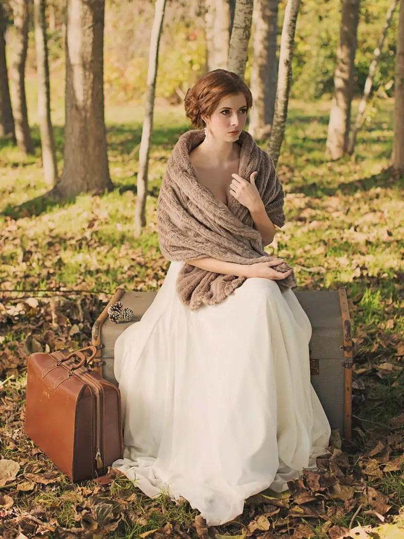 Bridal Cover Ups: faux fur stole by davie & chiyo | photo: desy cheng | http://emmalinebride.com/bride/wedding-cover-ups