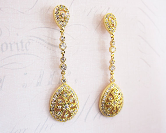 Gold bridal art deco style earrings | vintage bridal earrings | http://emmalinebride.com/bride/vintage-inspired-bridal-earrings