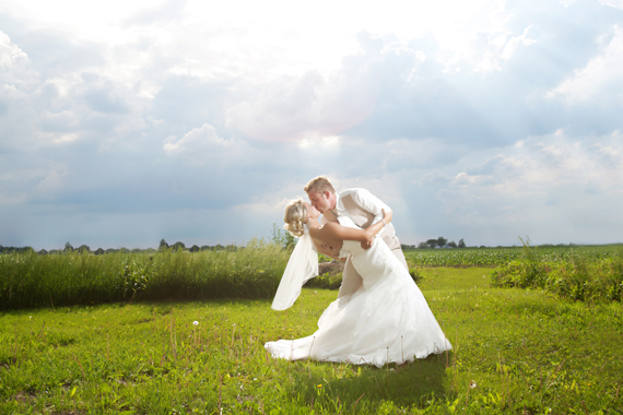 gorgeous light wedding photograph via 32 Secrets Wedding Photographers Wish You Knew