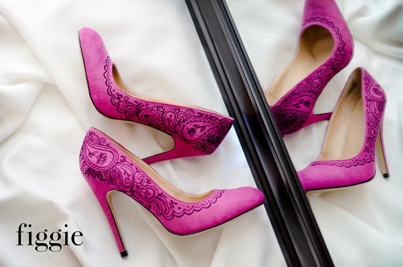 Handpainted fuchsia suede pumps | via 31 Best Handmade Wedding Shoes http://emmalinebride.com/bride/handmade-wedding-shoes/