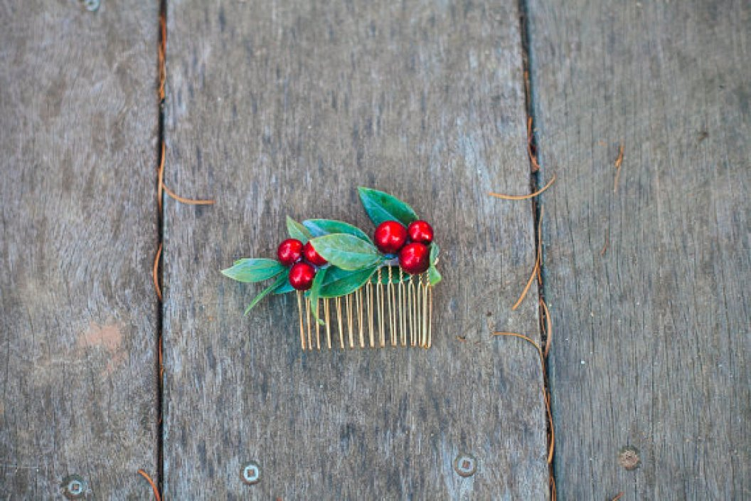 holiday winter berry hair comb kimart