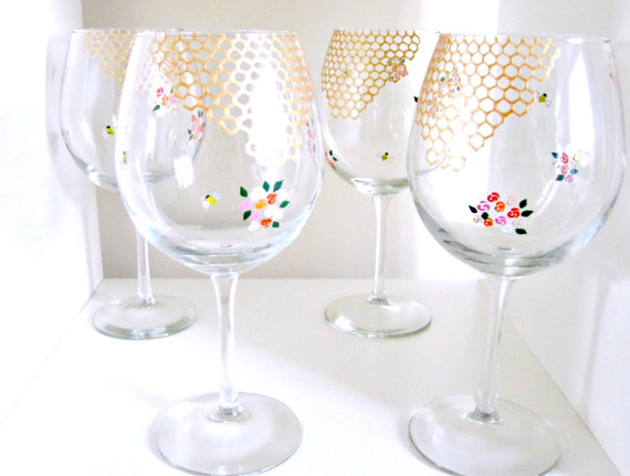 honeycomb floral wedding wine glasses - Top 8 Wedding Day Gifts for the Bride