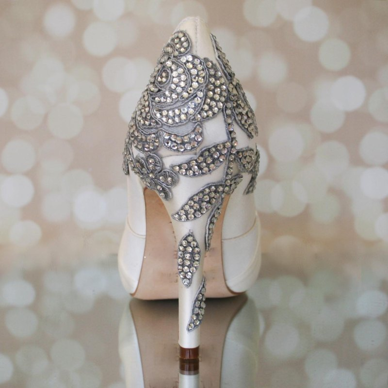 ivory and rhinestone heels | via 31 Best Handmade Wedding Shoes http://emmalinebride.com/bride/handmade-wedding-shoes/