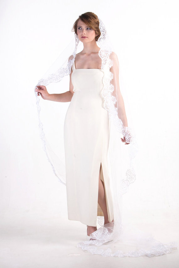 mantilla lace veil