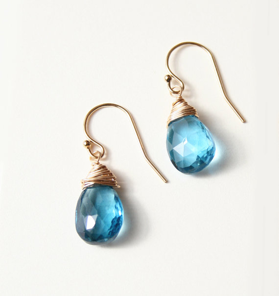 matching earrings | via 10 NEW Something Blue Ideas | http://emmalinebride.com/bride/new-something-blue/
