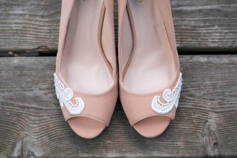 nude wedges | via 31 Best Handmade Wedding Shoes http://emmalinebride.com/bride/handmade-wedding-shoes/