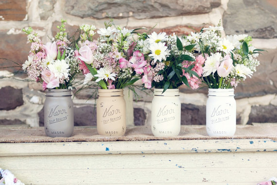 Painted Mason Jars (by Beach Blues; photo by Melania Marta)
