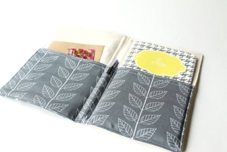 portfolio organizer - grey and white flowers