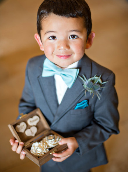 ring bearer holding ring bearer box
