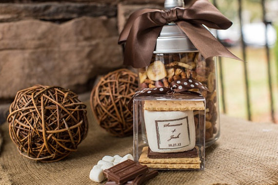 fall wedding favor ideas - s'mores kit to go (by fete setter)