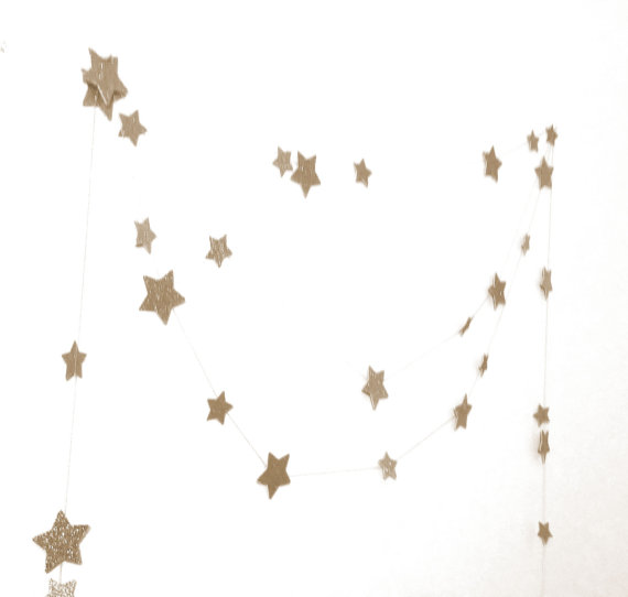 star garland ten foot for wedding starry night constellation by Atrapasuenos | via Starry Night Weddings http://emmalinebride.com/vintage/starry-night-weddings-ideas/