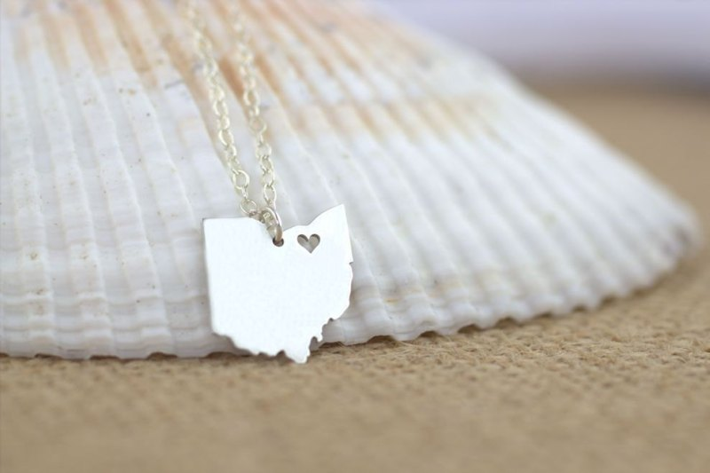 state themed necklace ohio via 25 State Ideas That Will Make Your Big Day More Awesome