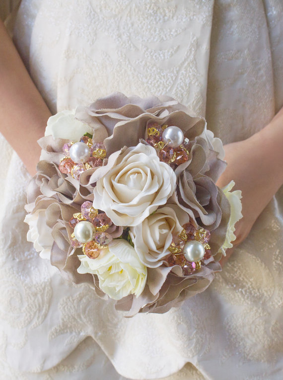 taupe bouquet