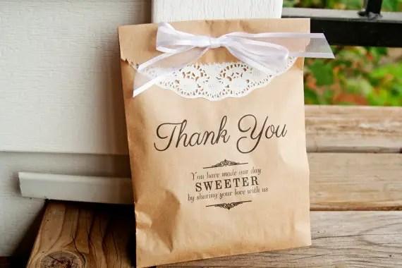 Personalized Favor Bags for Weddings (by Mavora Art and Design via EmmalineBride.com)