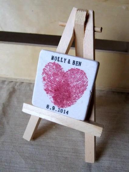 thumbprint wedding ideas | http://emmalinebride.com/gifts/thumbprint-wedding/