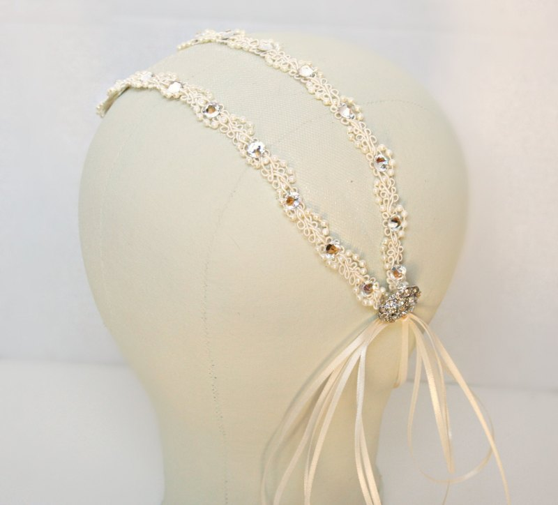 tulle headband | via http://emmalinebride.com/bride/what-to-wear-instead-of-veil/ - What to Wear Instead of Veil