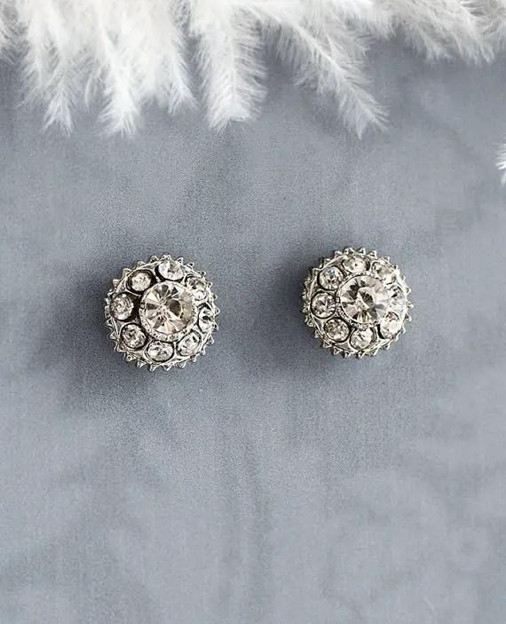 Button shape earrings | vintage bridal earrings | http://emmalinebride.com/bride/vintage-inspired-bridal-earrings