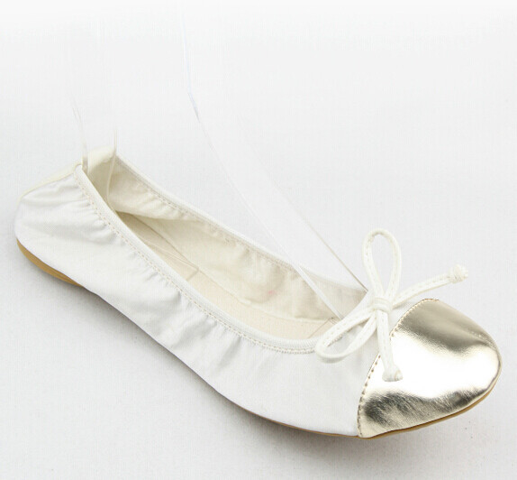Why Bridesmaids Need These Foldable Wedding Flats