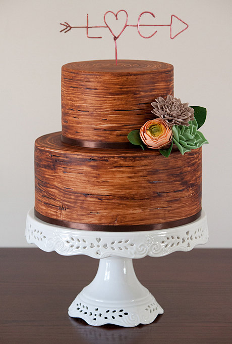 18 Cake Topper Styles for Unique Couples