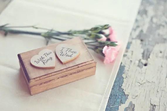 8 Fresh Rustic Wedding Decor Ideas - ring box (by PNZ Designs, photo: Melania Marta Photography)