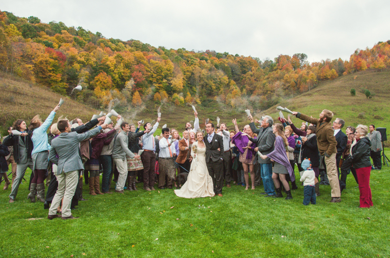 | Photographer: YouAreRaven | via http://emmalinebride.com/real-weddings/rustic-mountain-wedding-caroline-alex