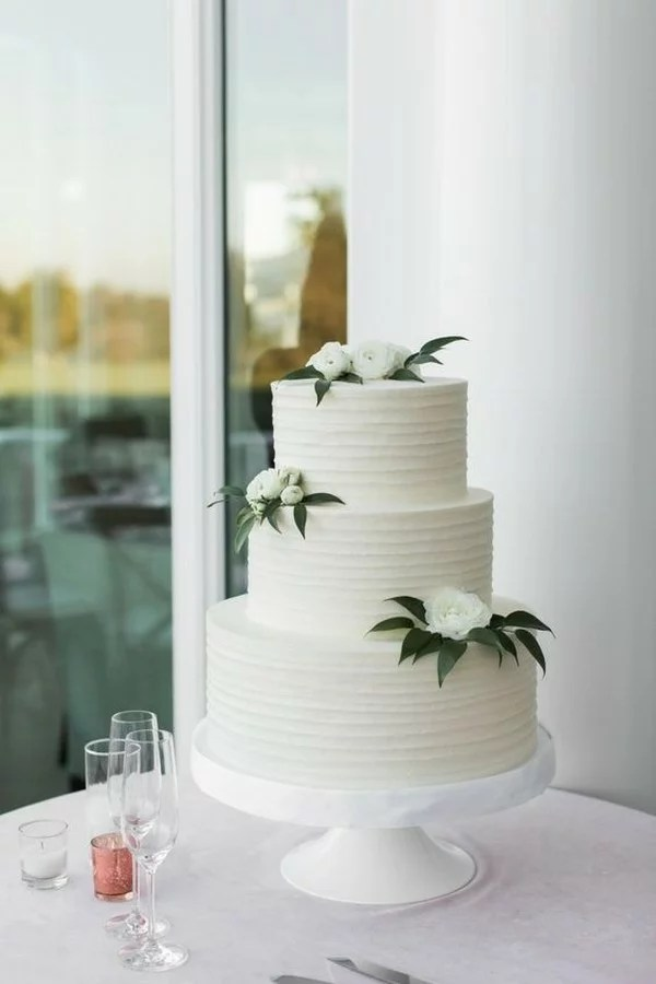 15 Amazing White and Green Elegant Wedding Cakes  EmmaLovesWeddings