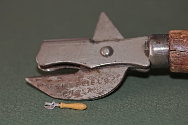 Tin opener 922 kb