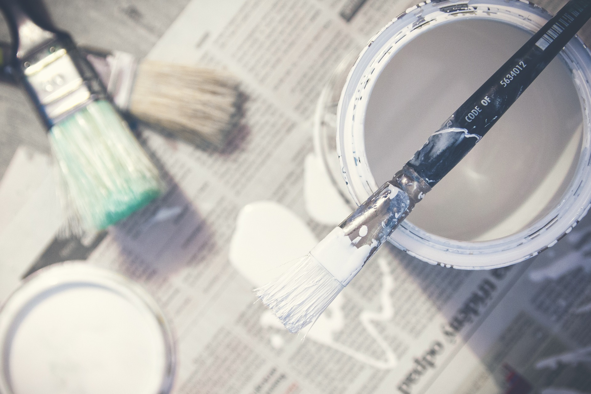 paint to decorate the home