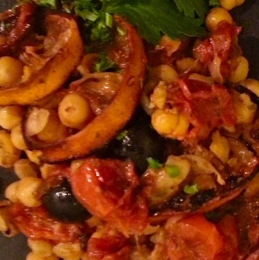 Chickpea, Roasted Lemon, Roasted Tomato, Black Olive & fresh parsley Smash. V, W/f, D/f.