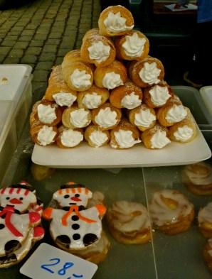 Christmas snowmen & cream horns.