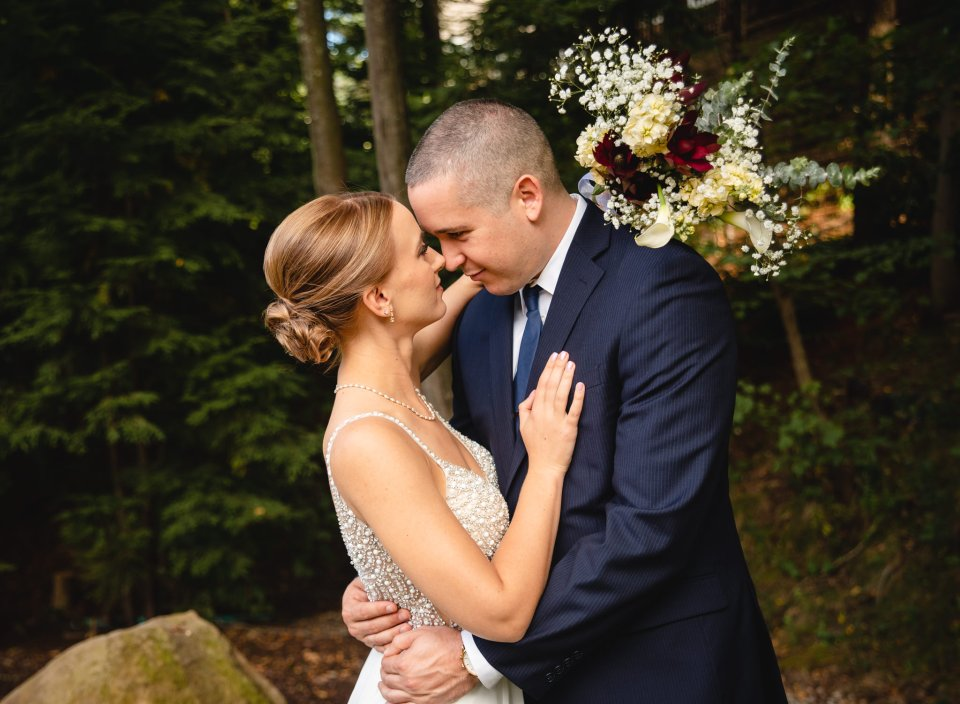 couple hugging - how to plan a micro-wedding