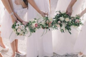 bouquets_held_together