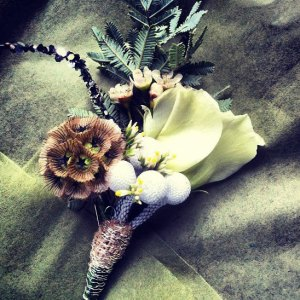 cream_buttonhole
