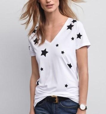 https://www.baukjen.com/uk/m/baukjen-sale/skylar-t-shirt-white-black-stars.htm