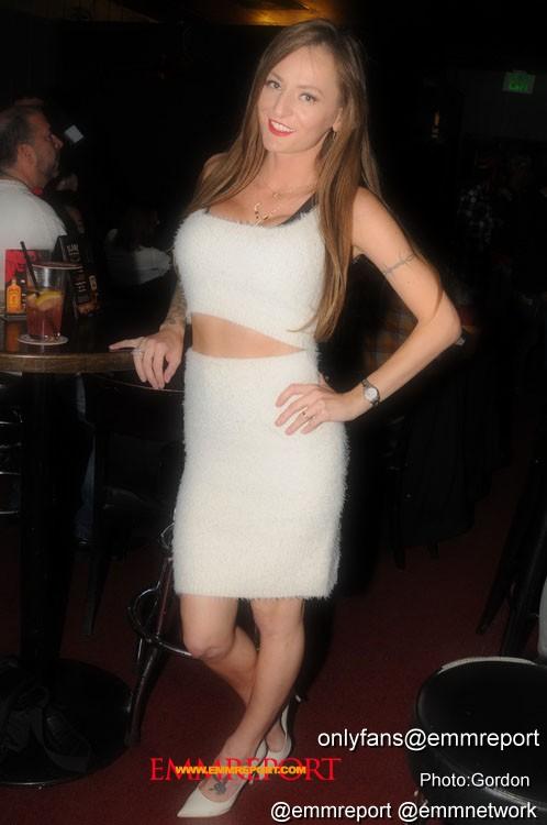 natasha starr_Pats_Cocktail_Lounge_121917_photo_gordon_2