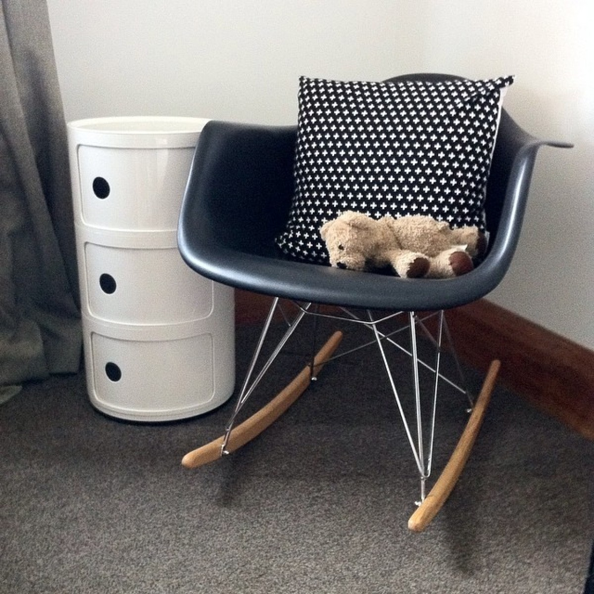 Comfortable Rocking Chair Eames Rocking Chair Nursery Comfortable Thenurseries