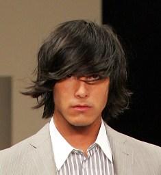 short shag hairstyle emofashion