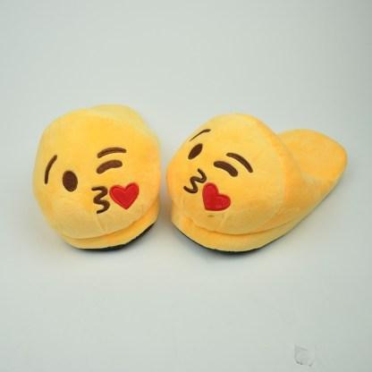 Emojitofflor som skickar kyss